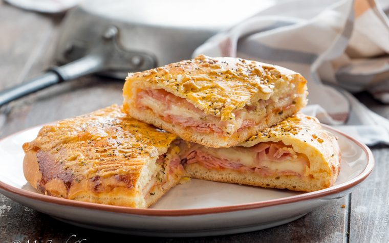 Torta brioche salata prosciutto e formaggio