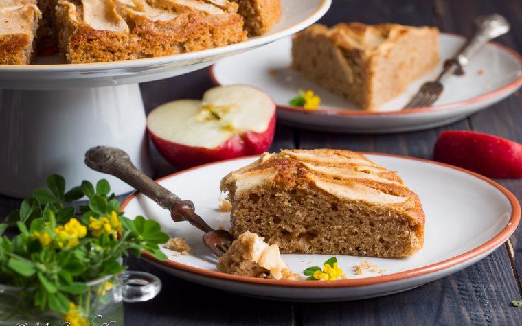 Torta integrale ricotta e mandorle con crosta di mele