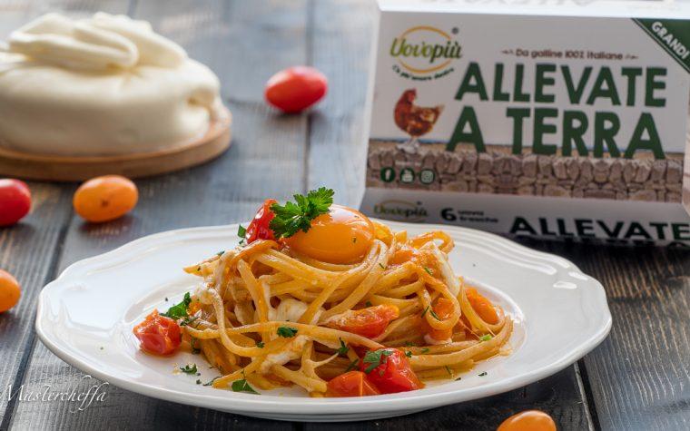 Spaghetti burrata e pomodorini con tuorlo fondente