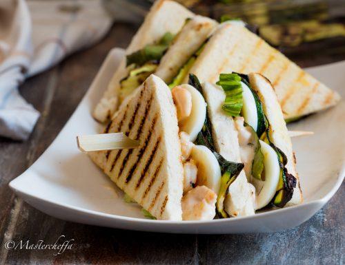 Club Sandwich gamberi, zucchine e uovo sodo