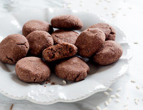 Biscotti con farina di riso al cacao