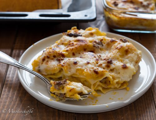 Lasagne zucca, salsiccia e mozzarella