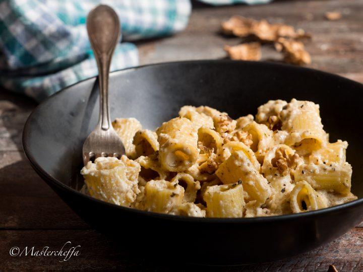 Pasta con salsa alle noci-2