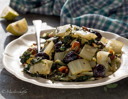 Bietole in padella con olive e mandorle