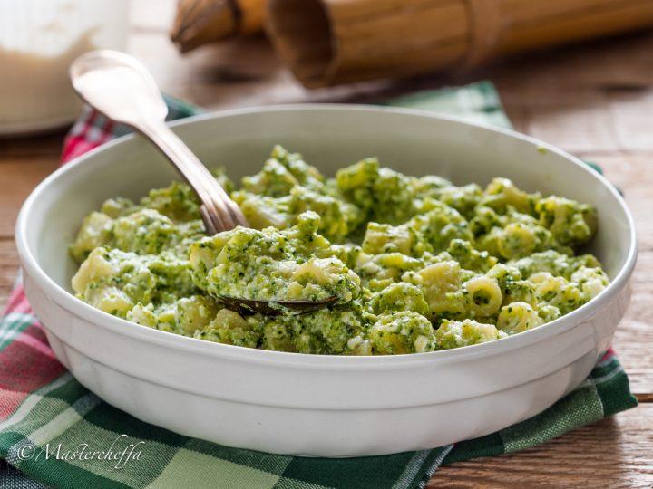 Pasta broccoli e ricotta - pasta scamuzza e ricotta