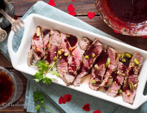 Tagliata al vino rosso con pistacchi