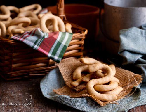 """""""Viscotta ri sugna"""" (biscotti allo strutto) – Ricetta siciliana"""