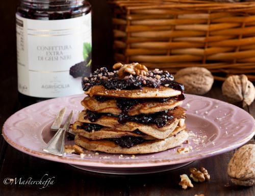 Pancake alle noci con confettura di gelsi