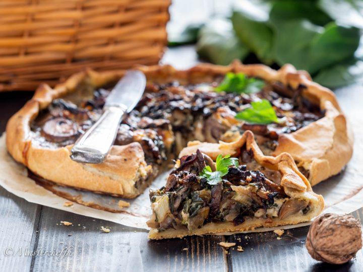 Torta salata senza burro con bietole, funghi e noci