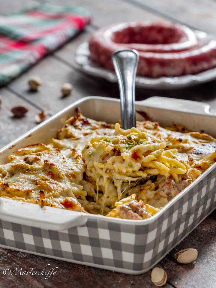Trofie salsiccia e pistacchi filanti al forno