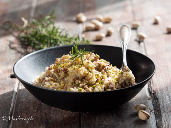 risotto carne tritata e pistacchi