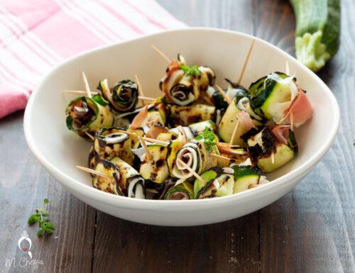 Rotolini di zucchine, speck e provola affumicata