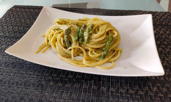 Spaghetti Asparagi e Speck