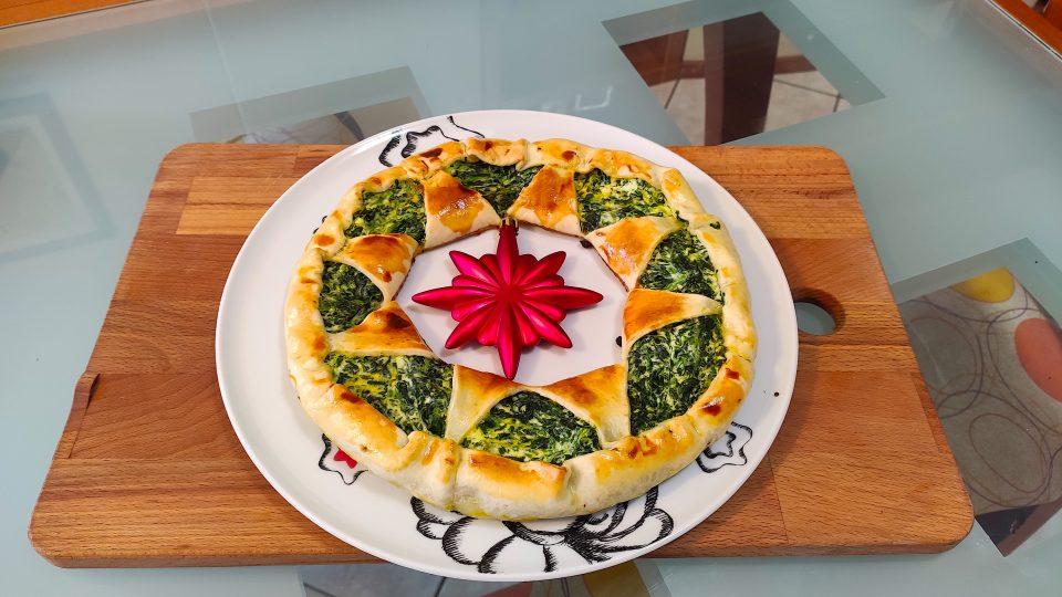 ghirlanda natalizia con ricotta e spinaci