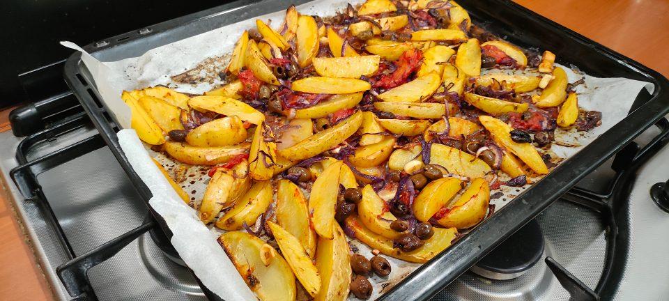 patate alla mediterranea al forno