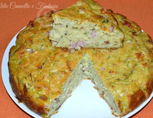 Torta salata con zucchine, prosciutto cotto e formaggi