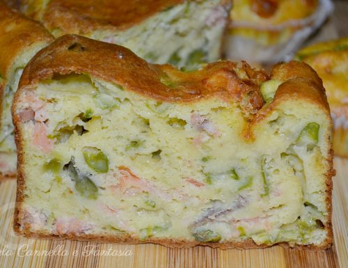 Plumcake e muffins salati con salmone asparagi e provola