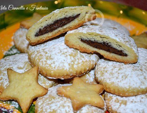Biscotti di pasta frolla con Nutella facili e golosissimi