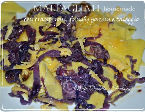 Maltagliati fatti in casa con crauti rossi, funghi porcini e taleggio