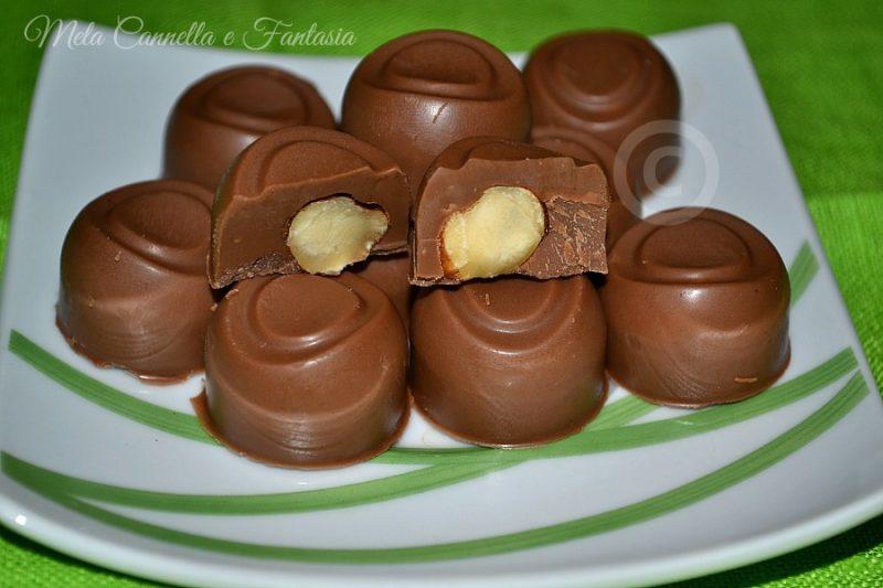 Cioccolatini Gianduia con cuore di nocciola (homemade)