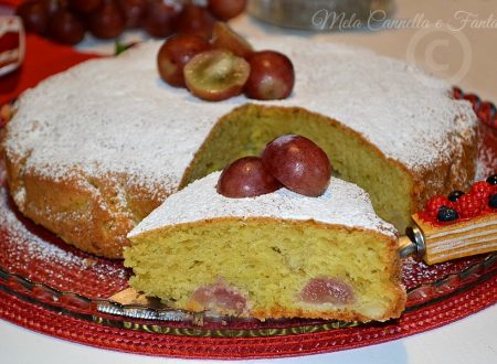 Torta autunnale con uva rossa e mandorle (senza burro)