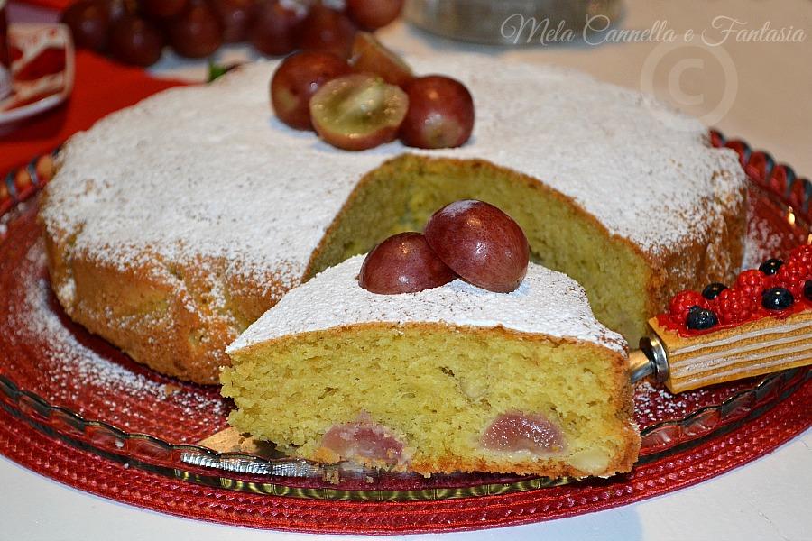 torta con uva rossa