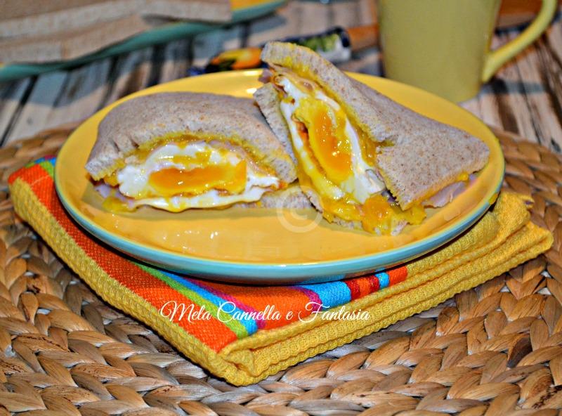 sandwich uovo fritto e formaggio
