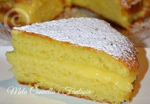 Torta con crema pasticcera all'arancia