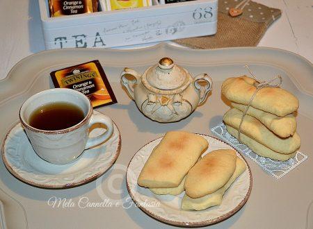 Biscotti di farro e Amaretto senza burro né latte