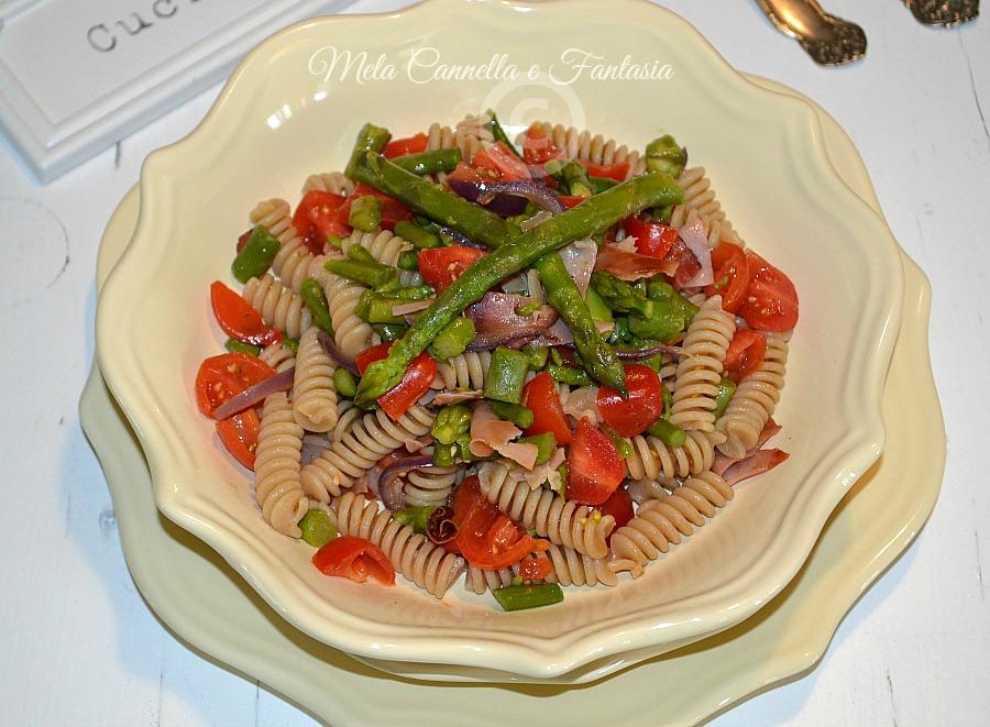 Fusilli asparagi speck e pomodorini