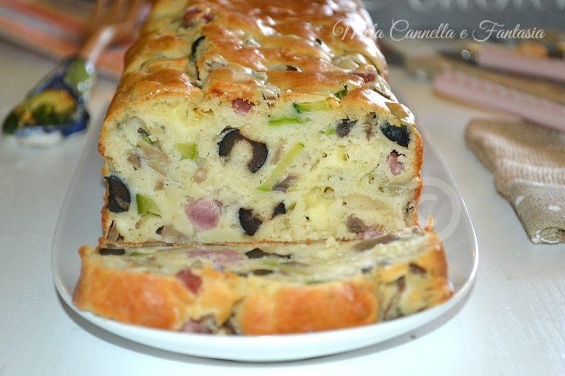 Plumcake zucchine funghi e olive nere, facile e veloce