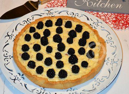 Crostata crema al limoncello e more – ricetta facile e golosa