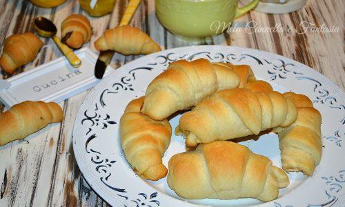 Cornetti morbidi senza burro, ricetta facile