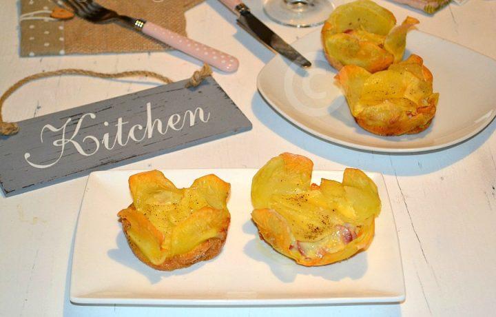 Rose di patate con wurstel e formaggio
