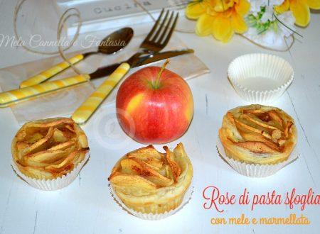 Rose di pasta sfoglia con mele e marmellata
