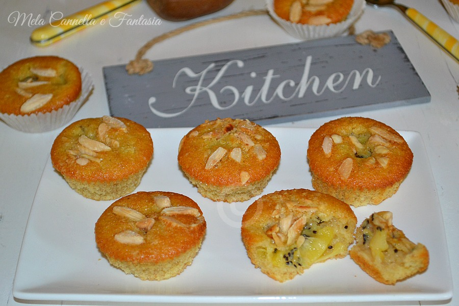 Tortine kiwi e mandorle, morbide e senza burro - ricetta light