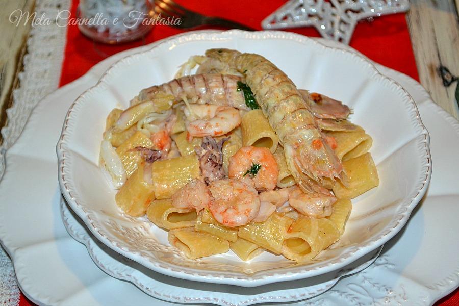 Pasta scampi e cicale di mare - ricetta facile e veloce