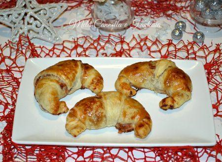 Cornetti mele e marmellata di fragole, con pasta sfoglia