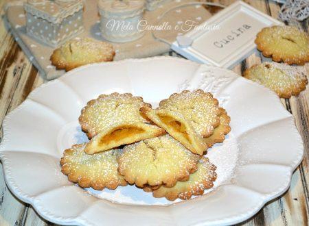 Cuor di mela, biscotti senza burro con un morbido ripieno