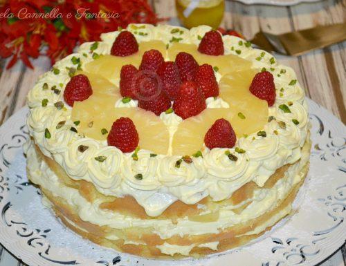 Naked cake ananas e lamponi – Buon compleanno mamma…