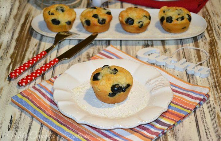 Muffins parmigiano reggiano e olive nere – senza burro