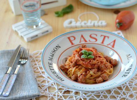Pasta con polpettine e sugo – ricetta facile e gustosa