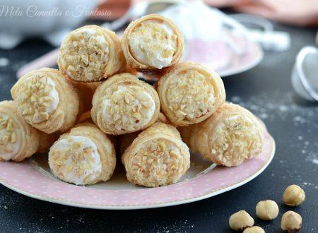 Cannoli con crema diplomatica - ricetta veloce con pasta sfoglia
