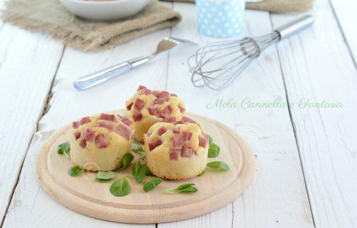 Muffins salati con provola affumicata e prosciutto cotto