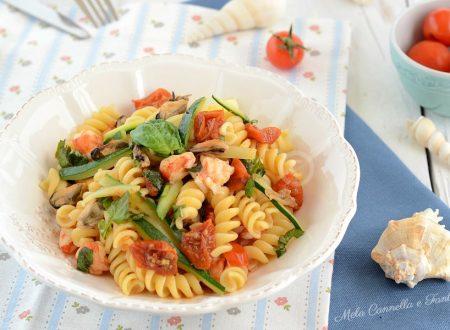 Fusilli cozze e gamberi con zucchine e pomodorini - ricetta light