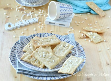 Ricetta crackers light al rosmarino con riso soffiato