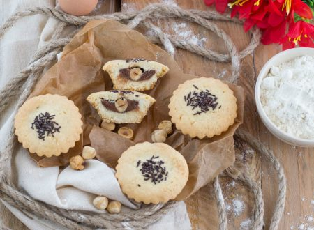 Biscotti ripieni con nutella e nocciole – facili e golosissimi