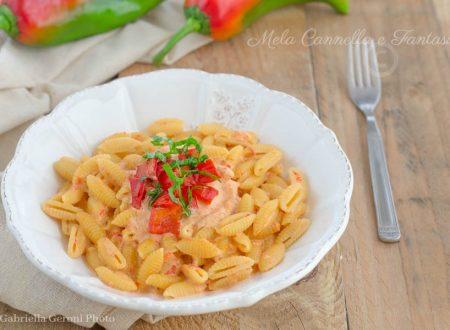 Gnocchetti sardi cremosi con peperoni arrostiti – ricetta facile