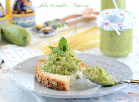 Pesto di zucchine con mandorle e pinoli – ricetta base