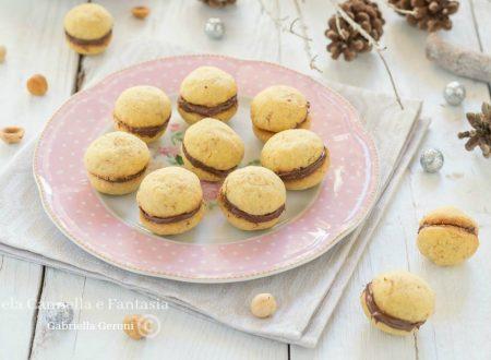 Baci di dama con crema alla nocciola – ricetta facile